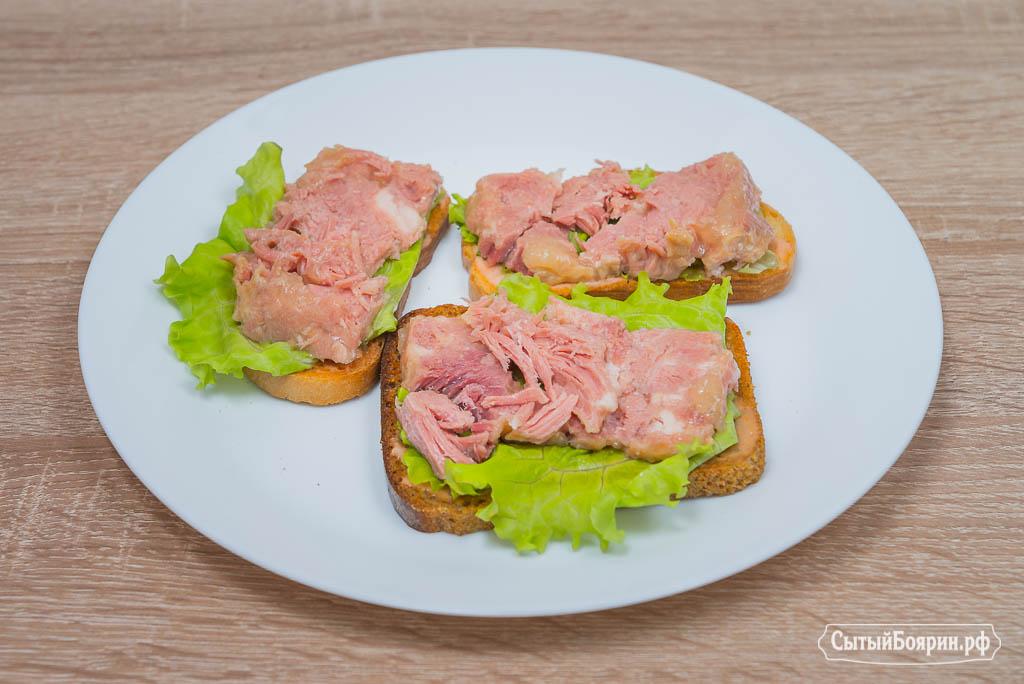 горячие бутерброды с консервой в духовке рецепты