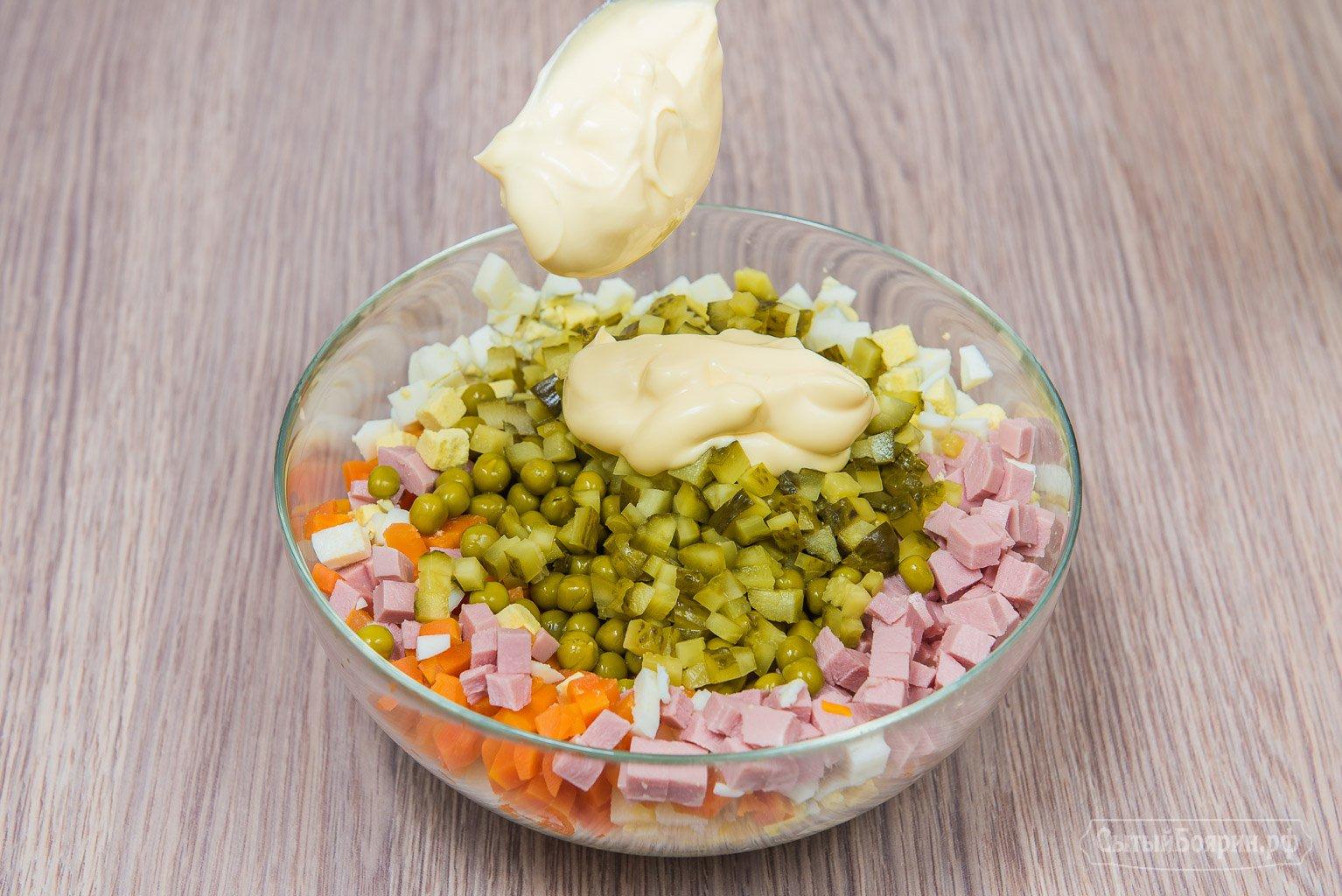 Как приготовить оливье с колбасой рецепт с фото пошагово